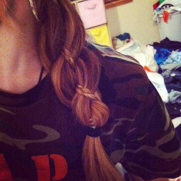 Four strand braid with accent braid