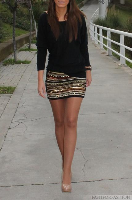 skirt and black top