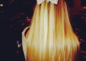 bow blonde
