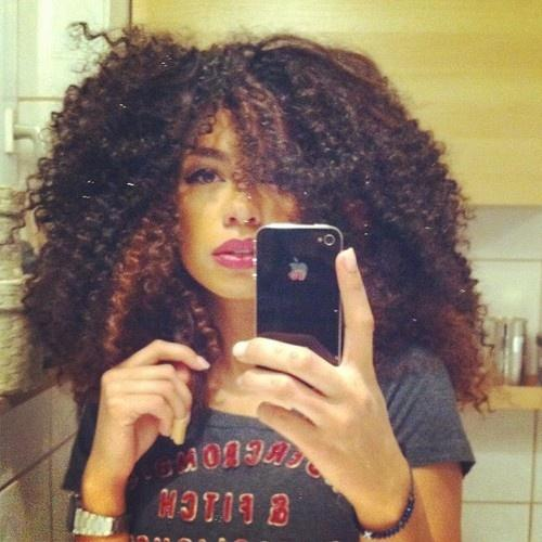 Natural Curly - Hairstyles and Beauty Tips
